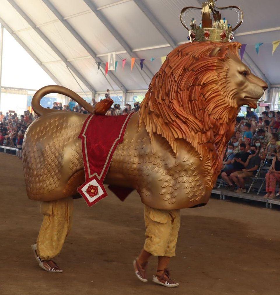 El Lleó al seguici festiu de Reus